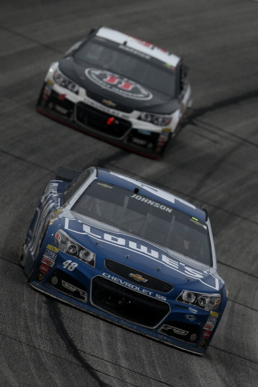 Jimmie Johnson held off Kevin Harvick and the rest of the field on his way to career win No. 71 in the Folds of Honor QuikTrip 500 at Atlanta Motor Speedway. Photo: Sarah Glenn/NASCAR via Getty Images